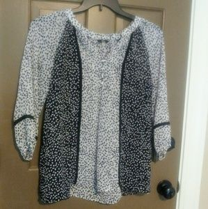 Women's Size Small loose-fitting 3/4 Sleeve Shirt